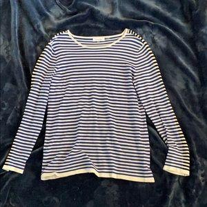 A horizontal stripe shirt